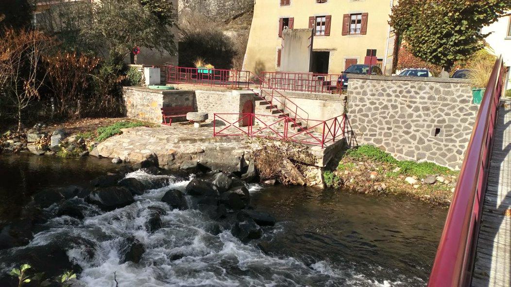 village-saint-floret-lamaisondemika